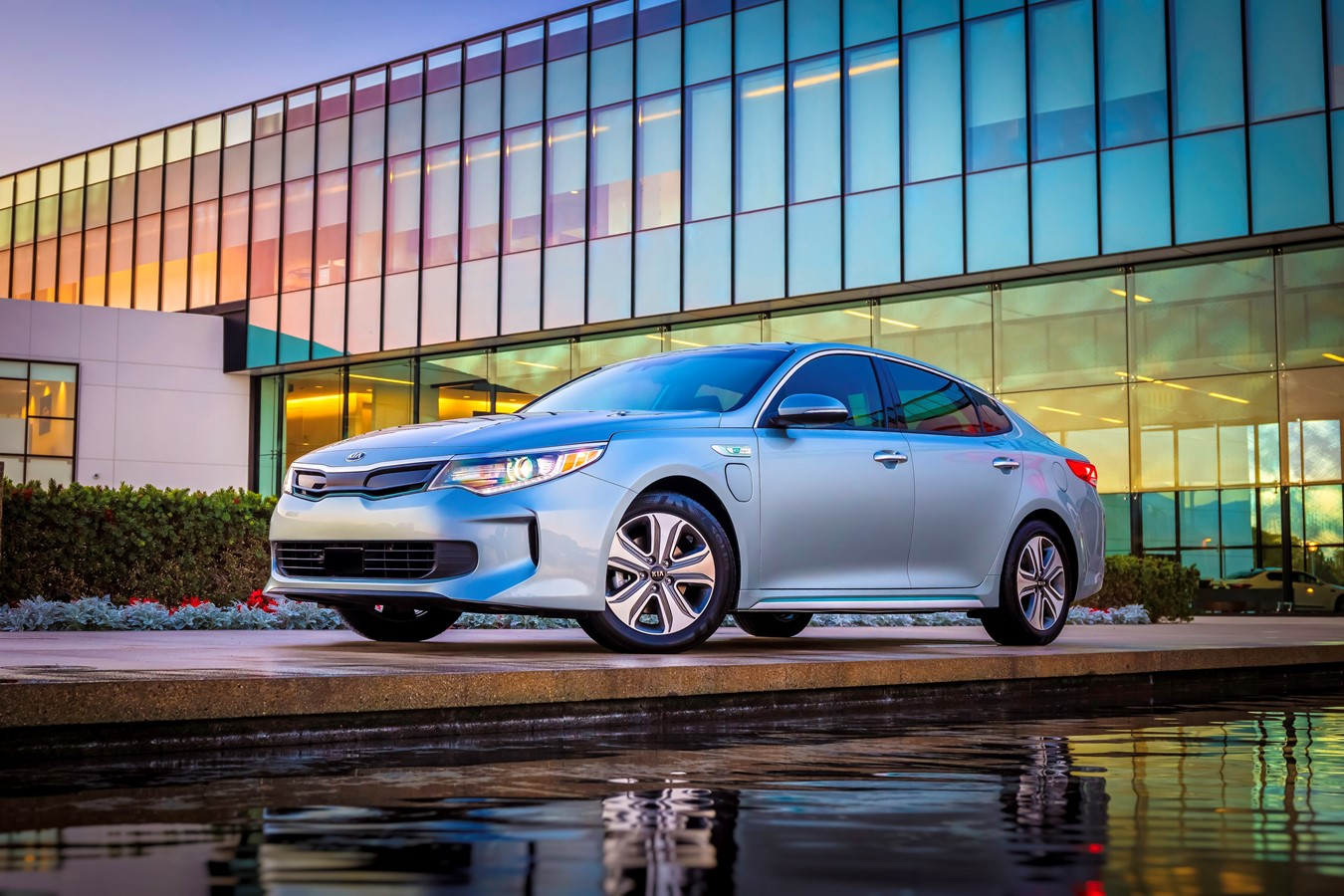 2019 Optima PHEV B-Roll