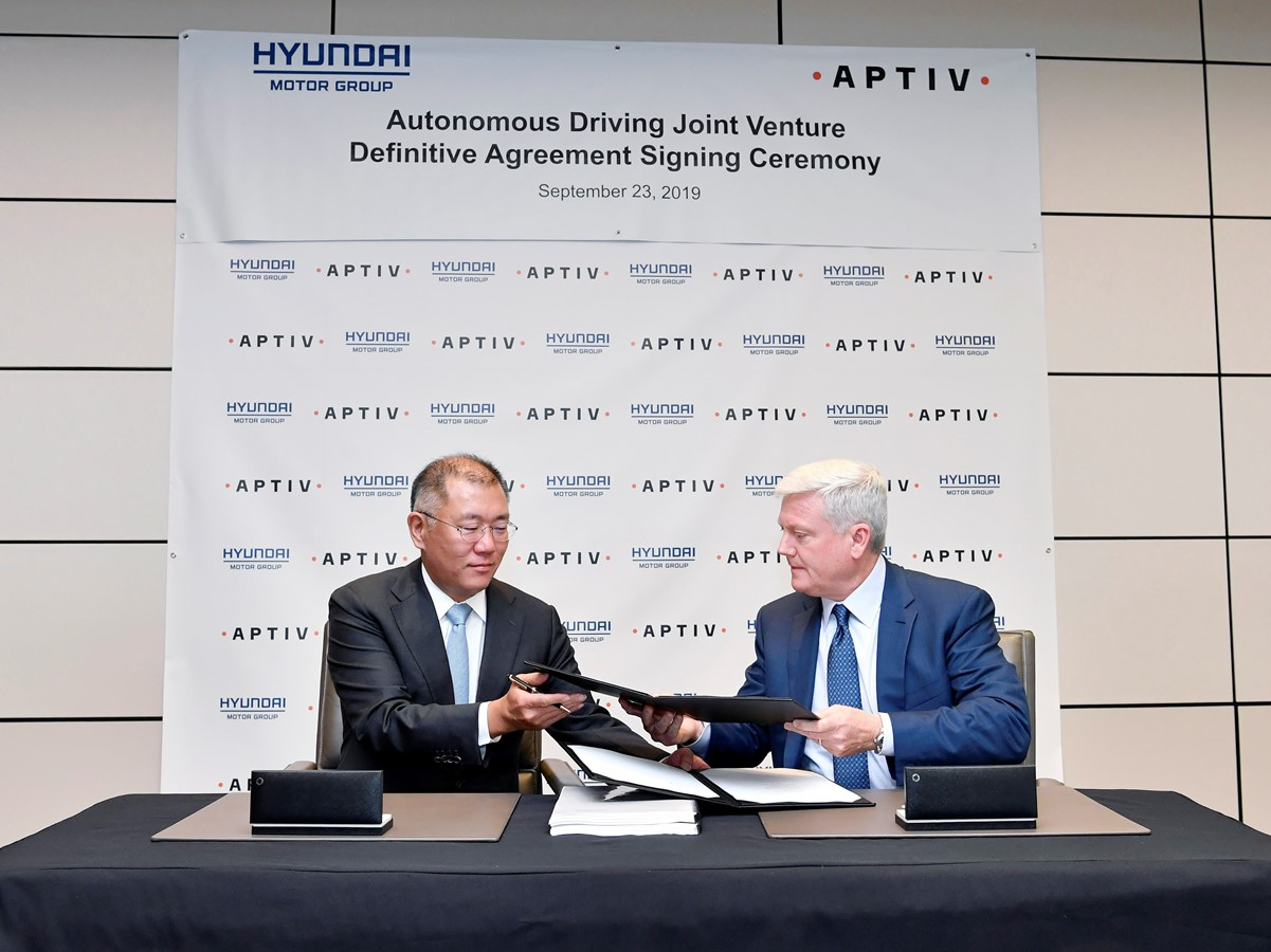 Hyundai Motor Group and Aptiv signed an agreement to form an autonomous driving joint venture.