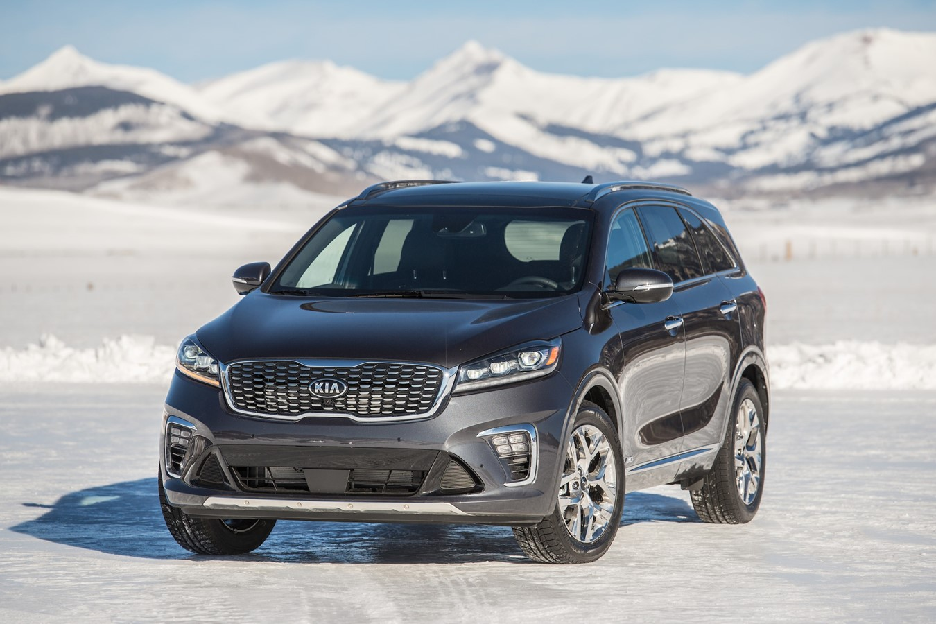 2019 Stinger and 2020 Sorento Snow Driving - 1080 - Long version