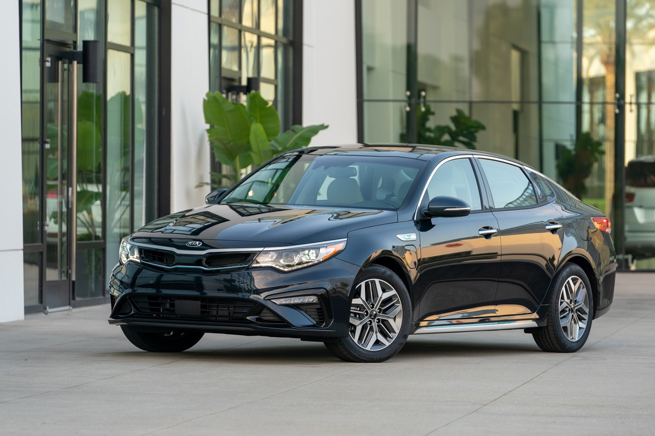 2020 Optima Plug-in Hybrid B-Roll