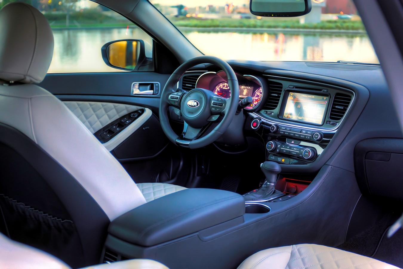 Steve Jones Chrysler >> 2014 Kia Optima vs 2014 Chrysler 200 Bowling Green, KY | Kia Luxury Mid-Size Sedans vs Chrysler ...