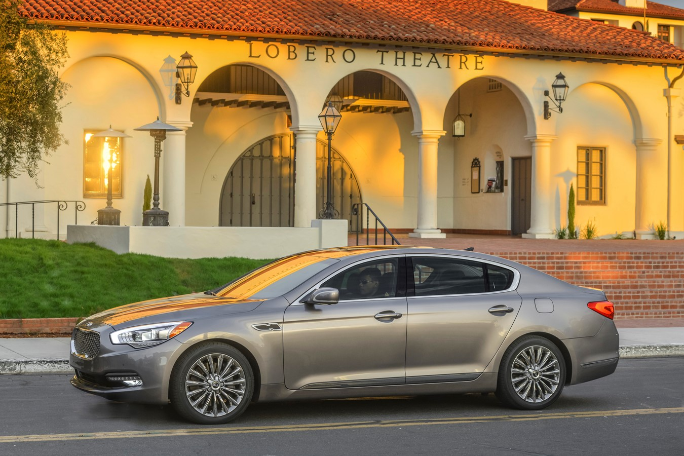 2015 Kia K900 And Soul Named Among Best Cars For Families By U S