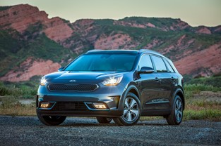 NIRO PHEV RECEIVES GOOD HOUSEKEEPING 2019 BEST NEW CAR AWARD
