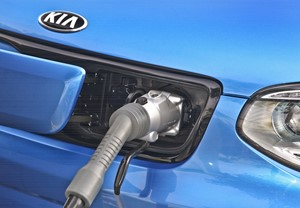 KIA MOTORS AMERICA RAMPS UP DC FAST CHARGING NETWORK IN PREPARATION FOR ARRIVAL OF 2015 SOUL EV